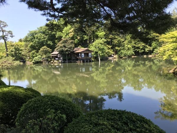 兼六園 霞ヶ池と内橋亭