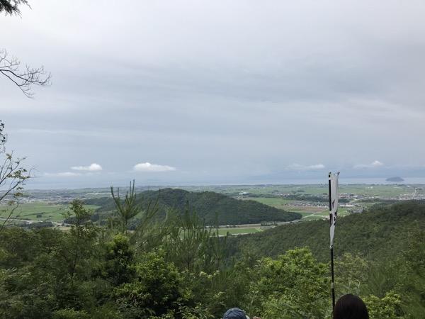 小谷山より