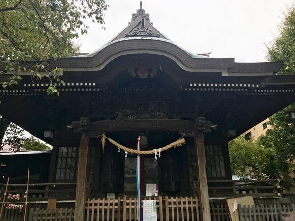 女躰神社 拝殿