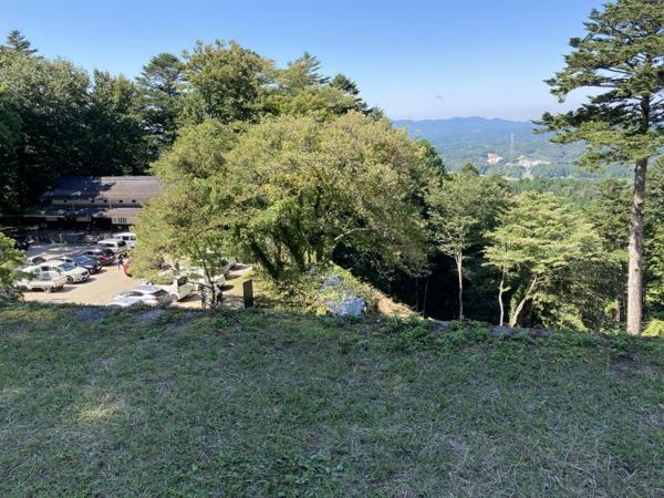 岩村城 本丸付近駐車場