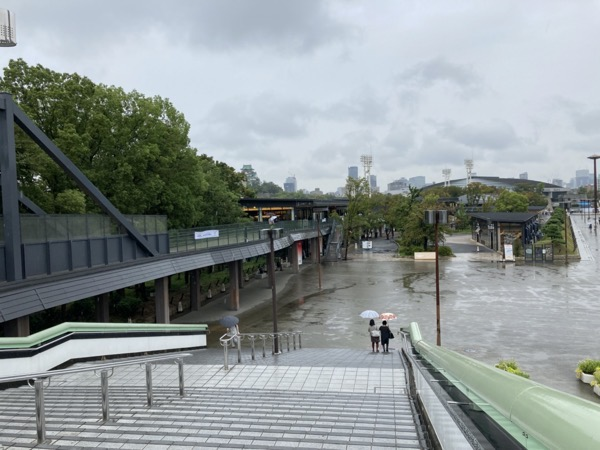 大阪城公園駅からの大阪城
